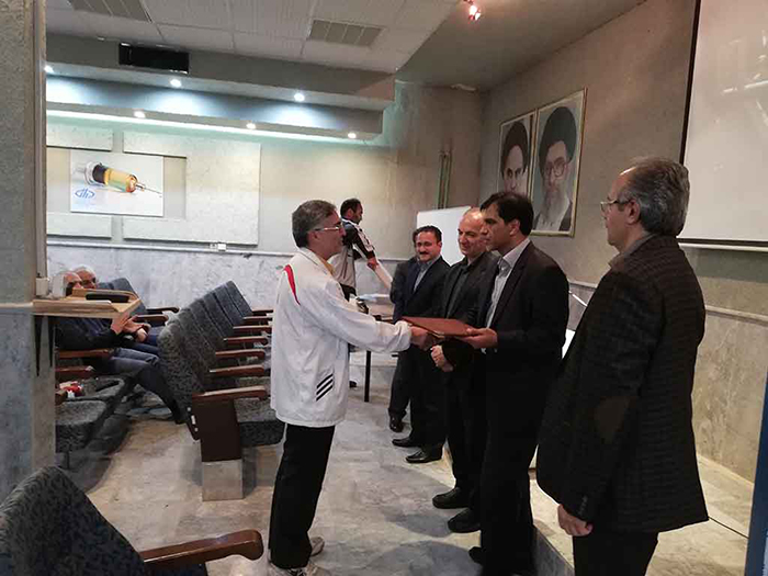 تقدیر از بازنشستگان موسسه رازی مشهد
