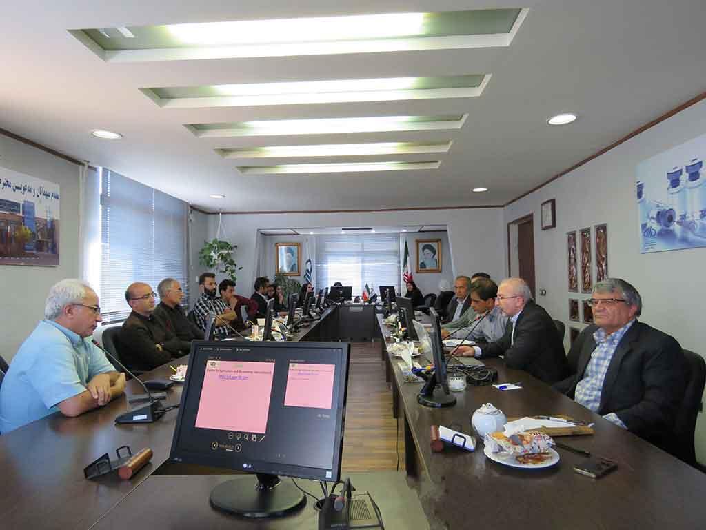 Photo of برگزاری دوره آموزشی آشنایی با پایگاه های اطلاعاتی علوم پزشکی و دامپزشکی